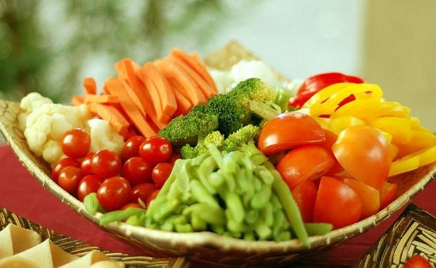 Bị suy giãn tĩnh mạch chân cần ăn gì?