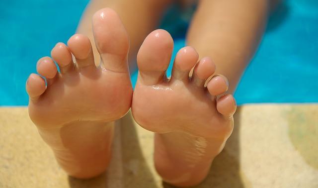 Chăm sóc đôi chân phòng ngừa suy giãn tĩnh mạch chân